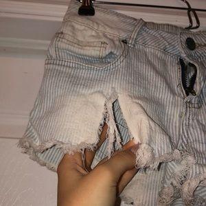 Ardene Shorts - Striped shirt shorts with slit on side